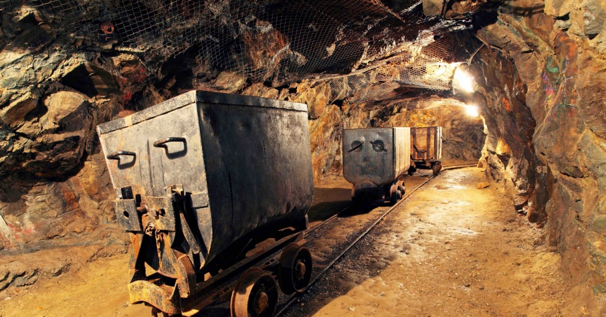 bitcoin-price-decline-prompts-us-mining-firm-to-shut-down-'indefinitely'